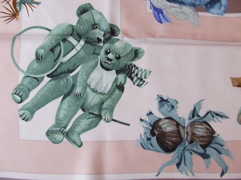 Hermes Silk Scarf Confidents des coeurs Bears Pink Blue 90 cm In Excellent Condition For Sale In ., FR