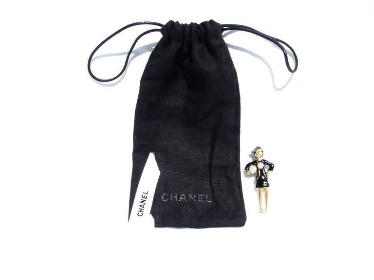 CHANEL Pin Brooch Madame Coco Chanel with pearl In Dustbag For Sale 2