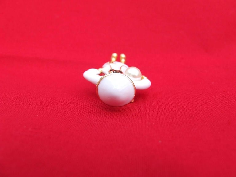 CHANEL Pin Brooch Madame Coco Chanel with pearl In Box For Sale 3