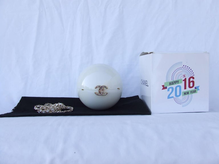 Chanel Pearl Shaped Ball Bag Minaudiere Clutch Plexiglass VIP Limited Collector 9