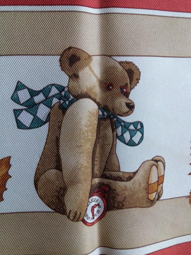 Hermès Silk Scarf Gavroche Confidents des Coeurs Bear Loic Dubigeon 43 cm For Sale 2