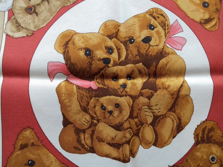 Hermès Silk Scarf Gavroche Confidents des Coeurs Bear Loic Dubigeon 43 cm In Excellent Condition For Sale In ., FR