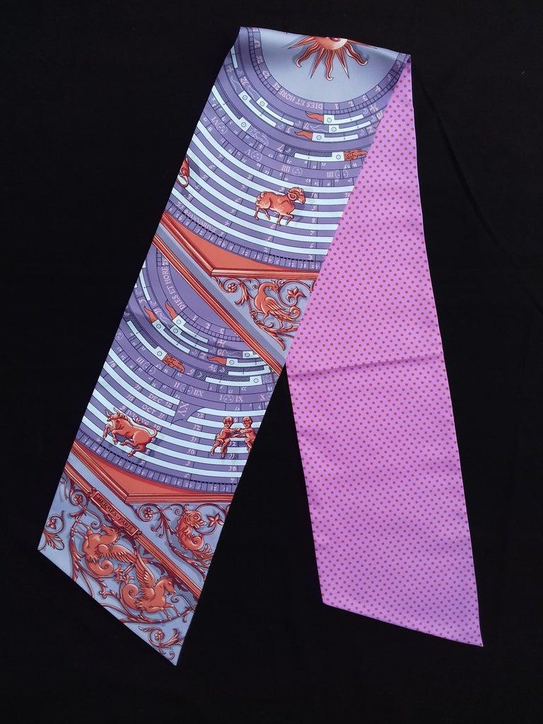 Women's Hermès Silk Scarf Maxi Twilly Cut Astrologie Pois (Dies et Hore) Parma In Box For Sale