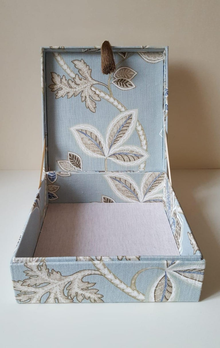 Leaves Pattern Fabric Decorative Storage Box for Scarves  In New Condition For Sale In ., FR