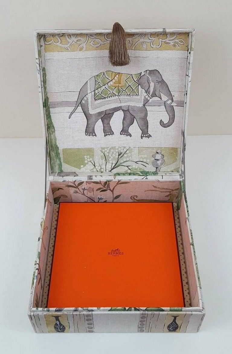 Sultans Garden Sanderson Fabric Decorative Storage Box for Scarves  For Sale 3