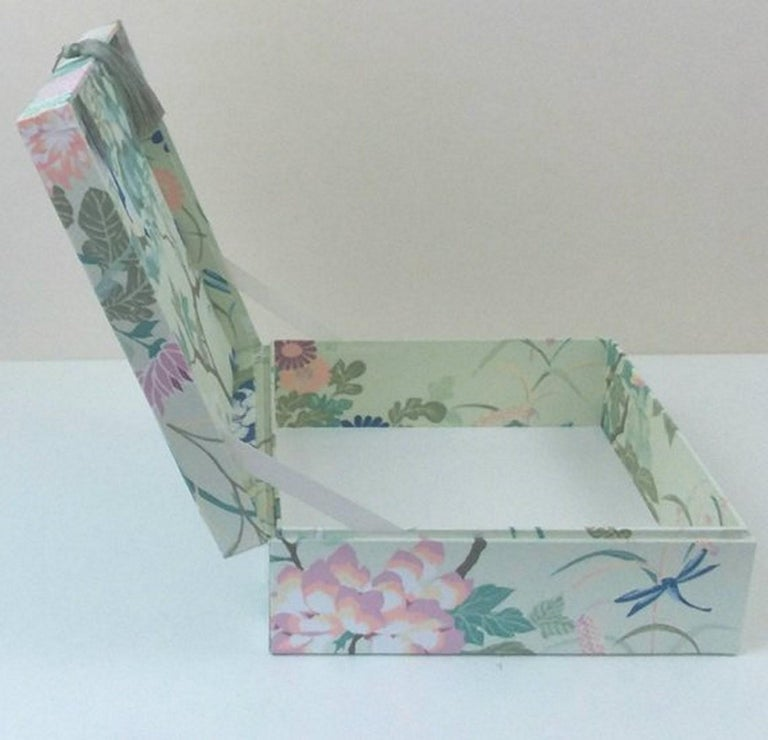 Birds Pattern Fabric Decorative Storage Box for Scarves  In New Condition For Sale In ., FR