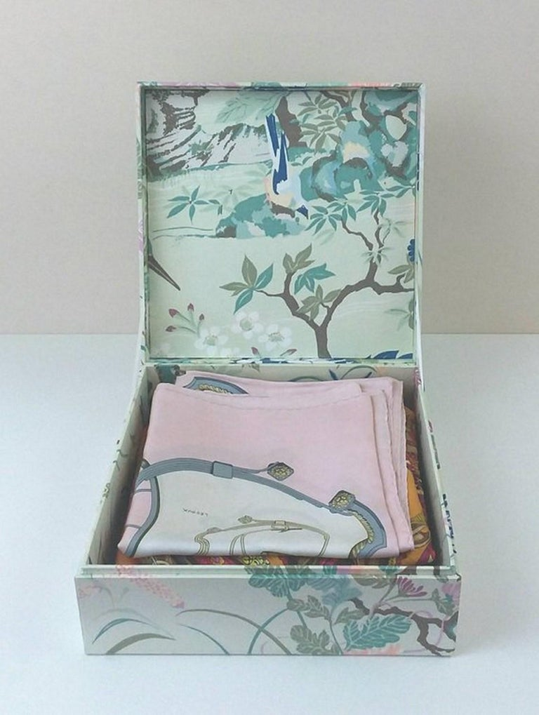 Birds Pattern Fabric Decorative Storage Box for Scarves  For Sale 2