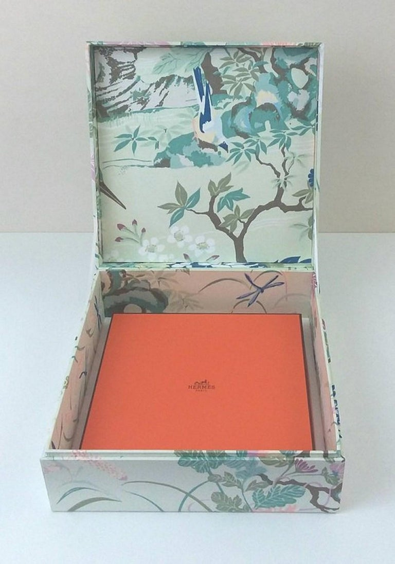 Birds Pattern Fabric Decorative Storage Box for Scarves  For Sale 3