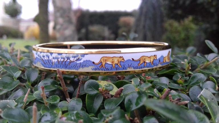 Hermès Printed Enamel Bracelet Lions and Lionesses Narrow Gold Hdw Size PM 65 For Sale 2