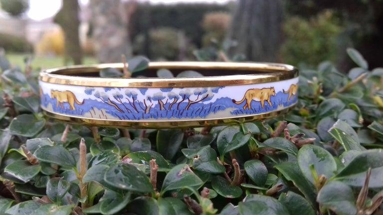 Hermès Printed Enamel Bracelet Lions and Lionesses Narrow Gold Hdw Size PM 65 For Sale 4