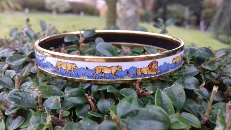 Hermès Printed Enamel Bracelet Lions and Lionesses Narrow Gold Hdw Size PM 65 For Sale 7