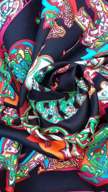 Hermès Silk Scarf ALPHABET RUSSE Evgenia Miroshnichenko Rare in Black 90 cm For Sale 11