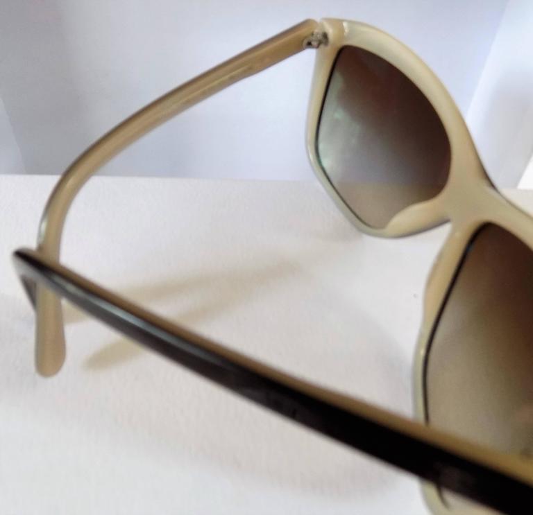 Women's Chanel Black Cream Sunglasses For Sale