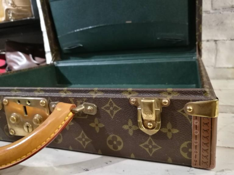 Louis Vuitton Vintage Monogram Luggage Totally made in france The inside is green leather