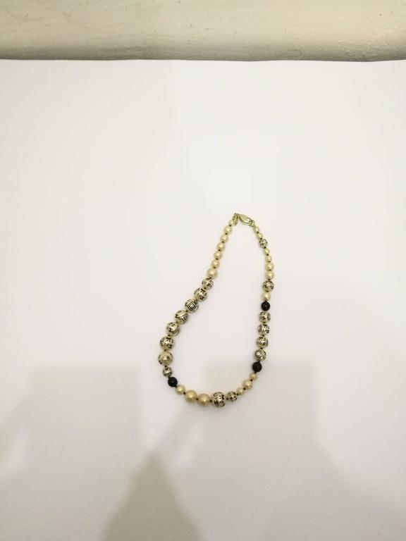 Chanel Faux Pearls Necklace 3