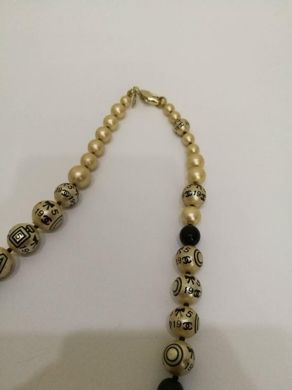Chanel Faux Pearls Necklace 4