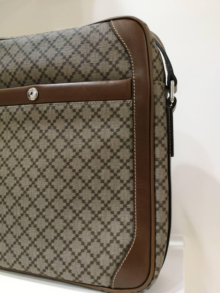 Gucci GG Brown NWOT Shoulder Bag For Sale 2