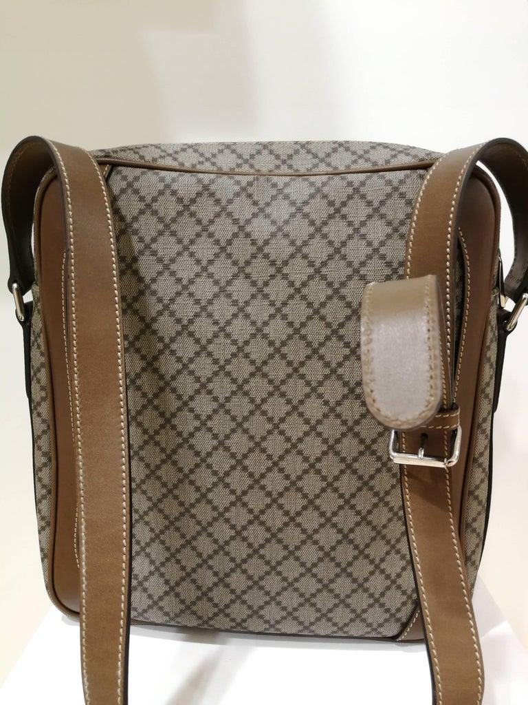 Gucci GG Brown NWOT Shoulder Bag For Sale 3