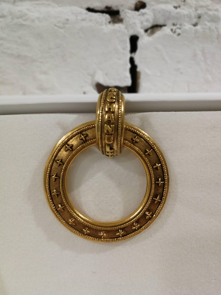 Chanel gold tone clip-on earrings For Sale 1