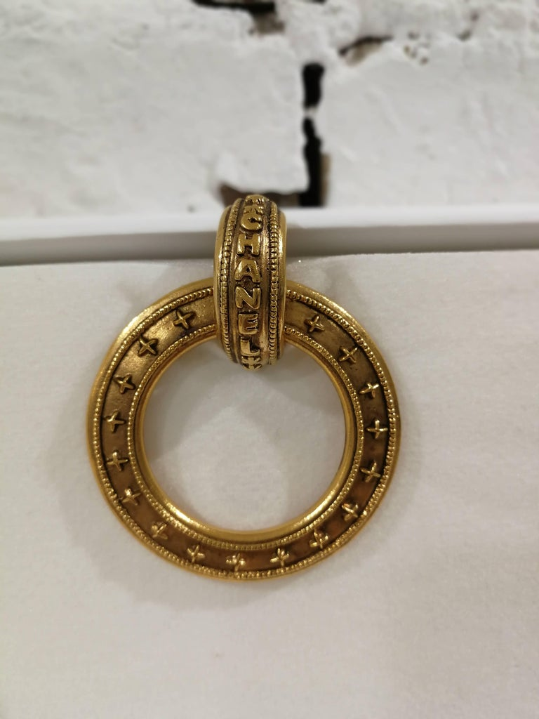 Chanel gold tone clip-on earrings For Sale 2