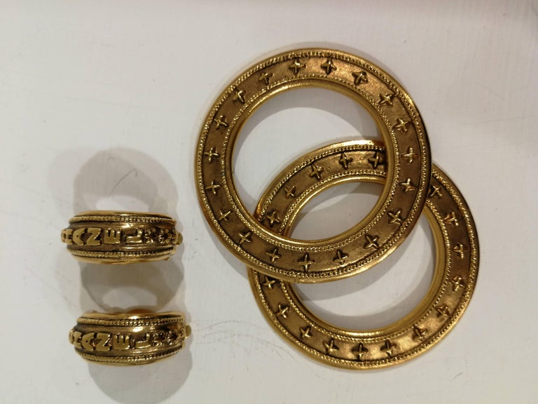 Chanel gold tone clip-on earrings For Sale 6