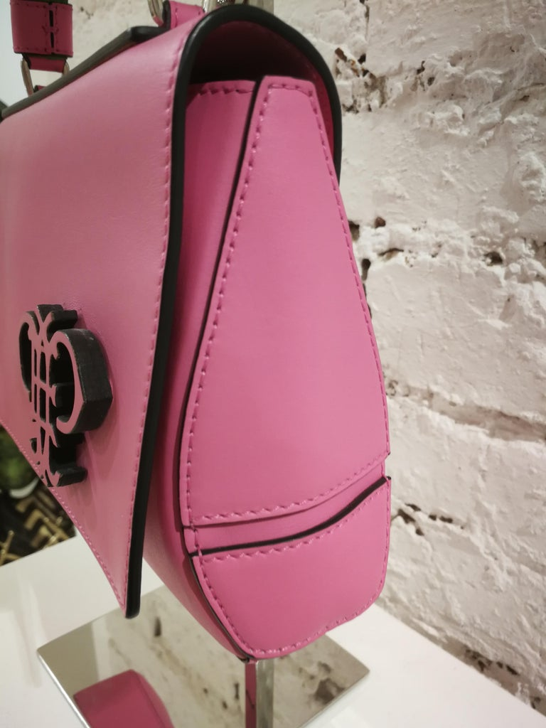 Emilio Pucci Pink Leather Shoulder Bag  Totally made in italy  Measurements: 24 x 15 cm