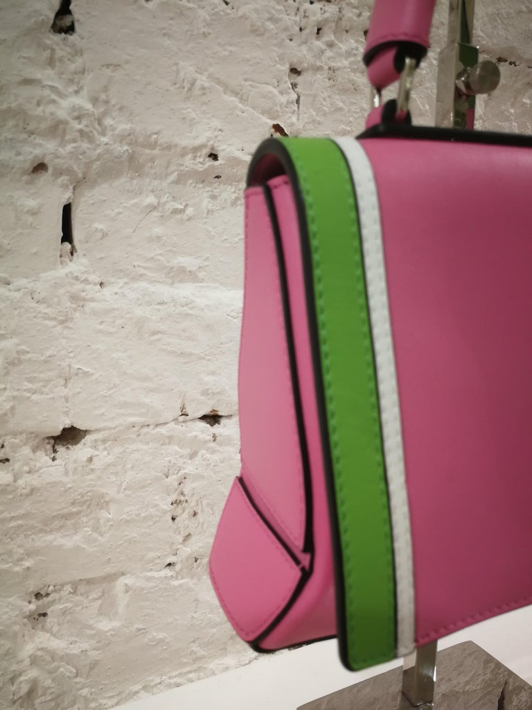 Emilio Pucci Pink Leather Shoulder Bag In Excellent Condition For Sale In Capri, IT