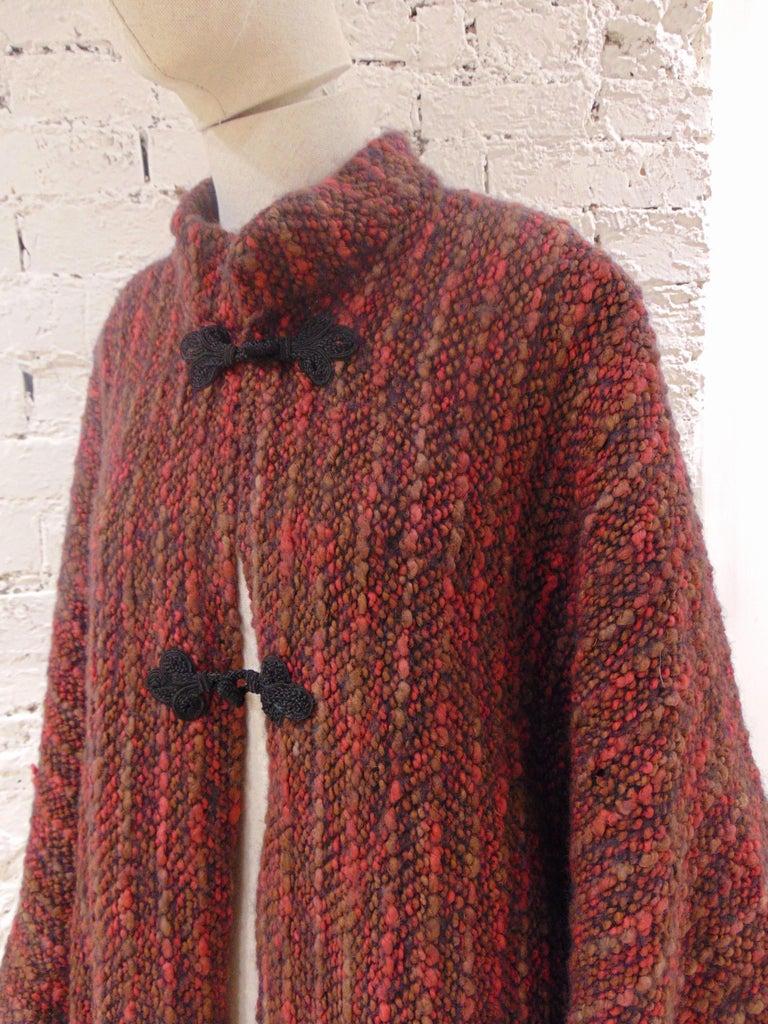 Wool multicoloured handmade cape In Good Condition For Sale In Capri, IT