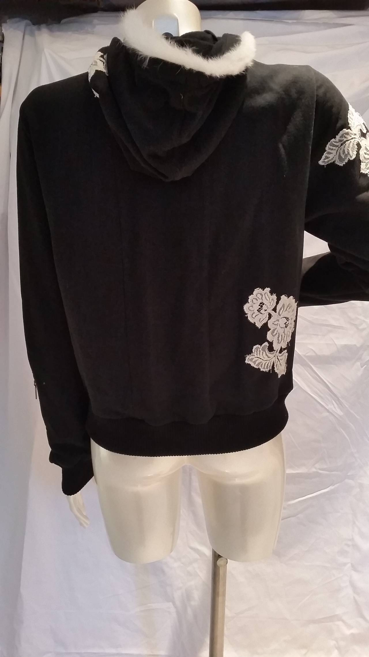 2000s John Galliano black and white sweater In New Condition For Sale In Capri, IT