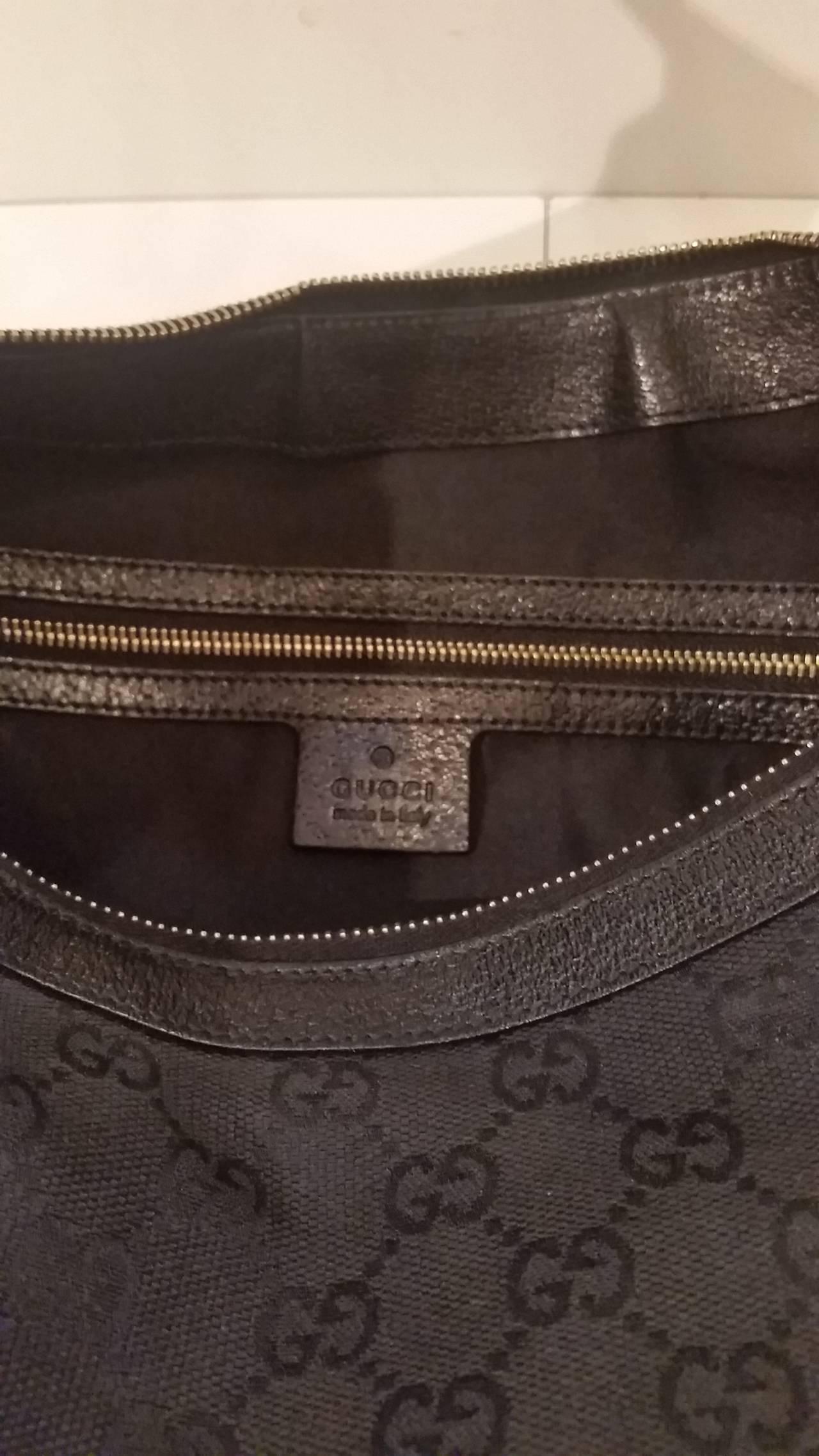 59fa6269b77f 2000s Gucci half moon hobo bamboo black bag In Excellent Condition For Sale  In Capri,