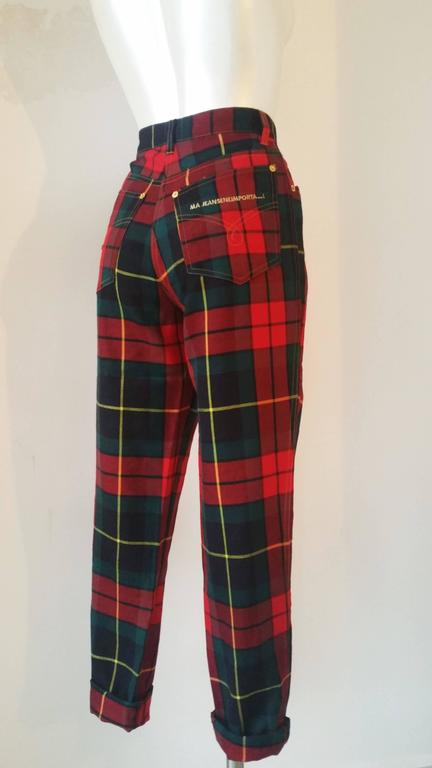 Black 1980s Moschino iconic eighties jeans SeNeImporta (Who cares) tartan high waisted For Sale