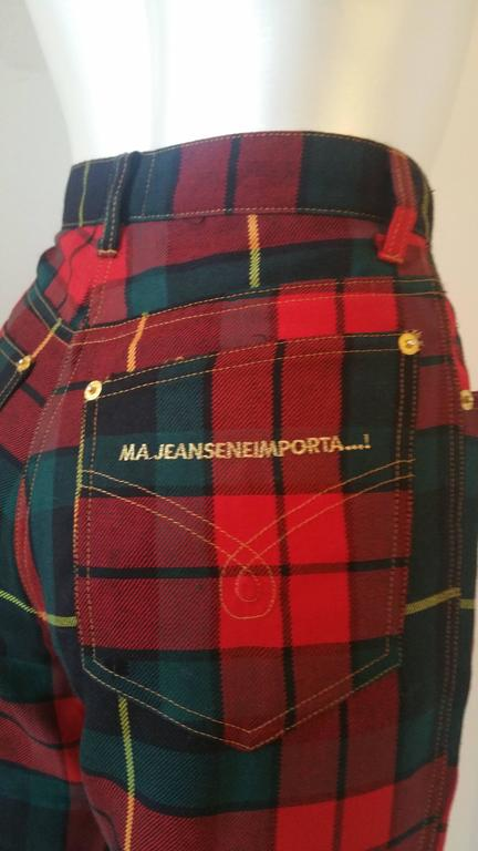 1980s Moschino iconic eighties jeans SeNeImporta (Who cares) tartan high waisted For Sale 1