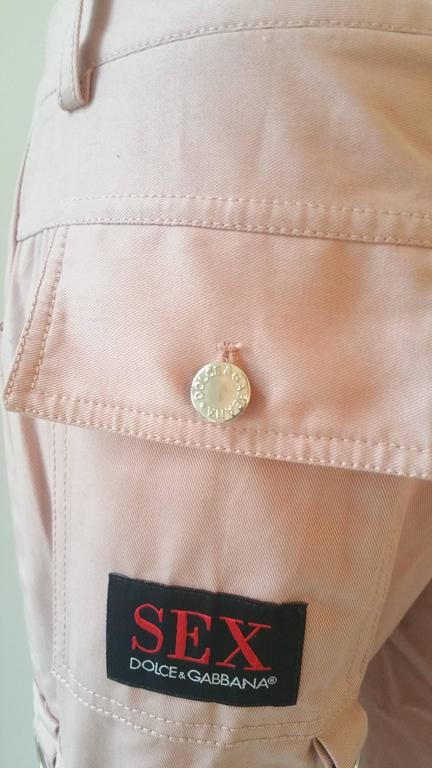 2000s Dolce & Gabbana pink pants with straps NWOT In New Condition For Sale In Capri, IT