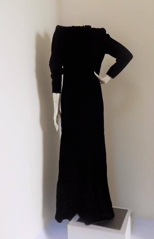 1970s Valentino black long dress with white pearls In New Condition For Sale In Capri, IT