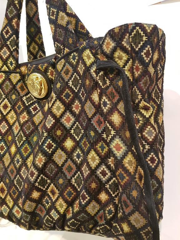 Black Gucci Gold Tone Logo shoulder bag For Sale