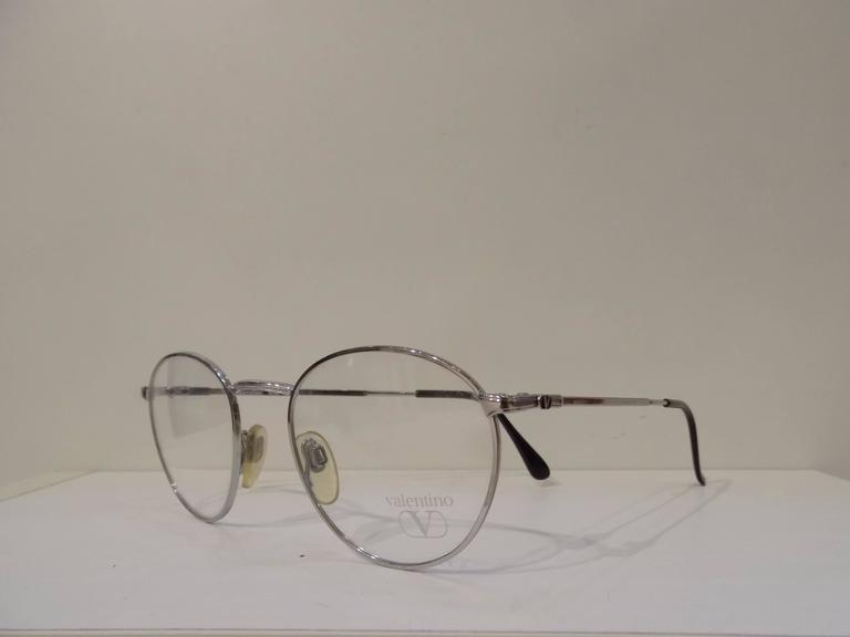 1980s Valentino Frame  In New Condition For Sale In Capri, IT