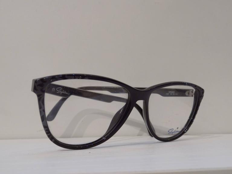 Women's or Men's 1980s Saphire frame - glasses For Sale