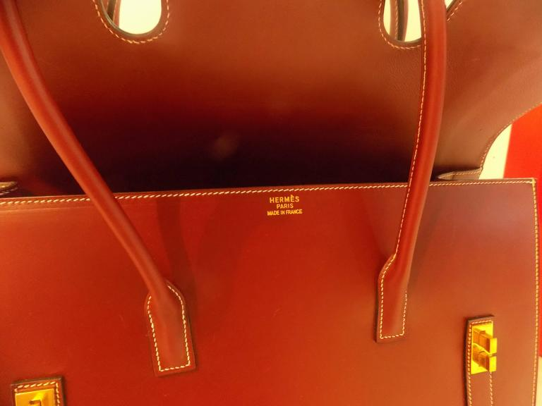 Hermes Bordeaux Leather Bag In Good Condition For Sale In Capri, IT