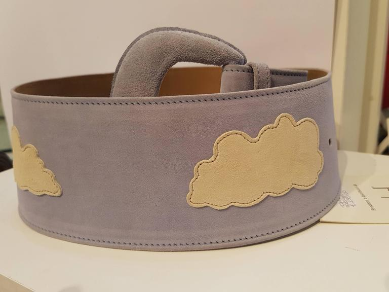 Brown Moschino light blu white clouds NWOT belt For Sale
