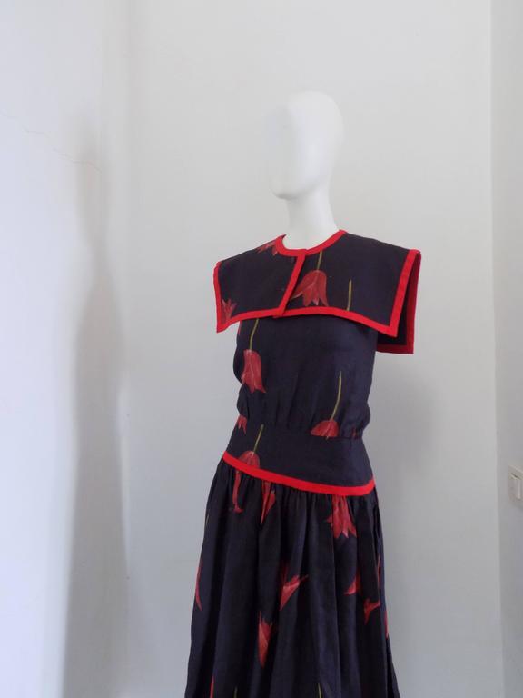 1980s Valentino Blu Red linen Dress 2