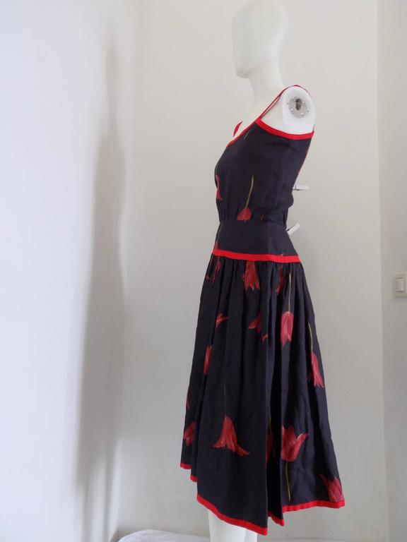 1980s Valentino Blu Red linen Dress In Excellent Condition For Sale In Capri, IT
