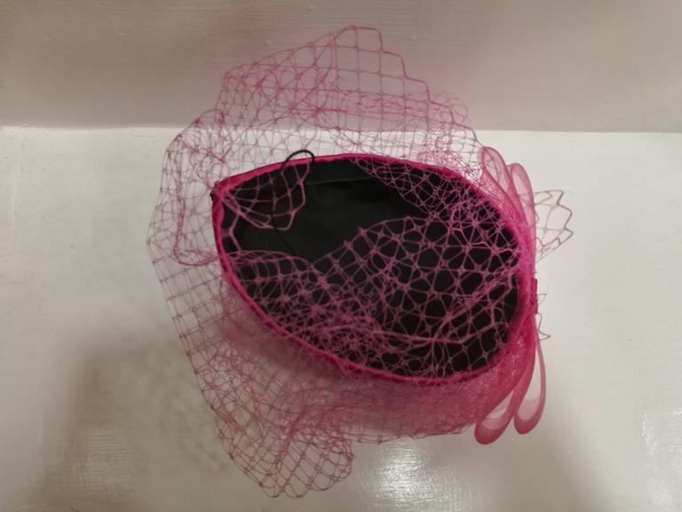 Fascinator Fucsia Hat For Sale 2