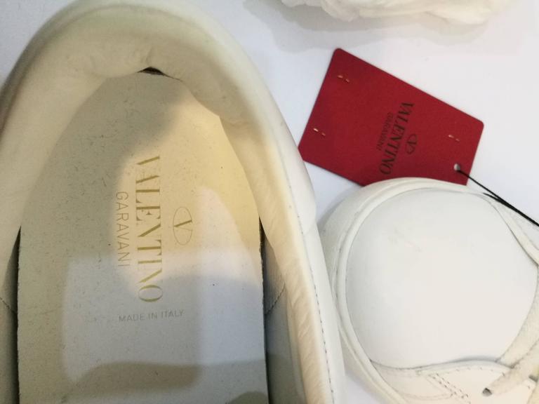 Men's Valentino Garavani White Rockstuds Sneakers NWOT For Sale