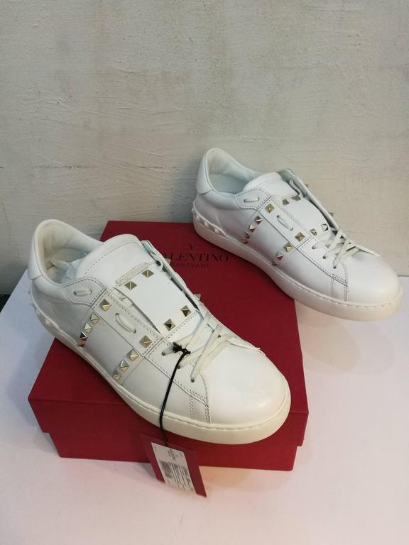 Valentino Garavani White Rockstuds Sneakers NWOT For Sale 3