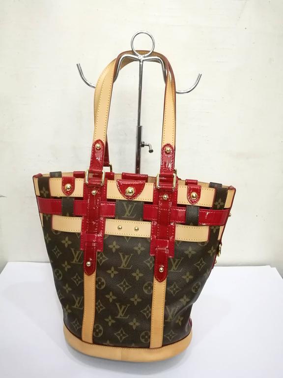 Louis Vuitton Monogram Rubis Neo Bucket Tote In Excellent Condition For Sale In Capri, IT