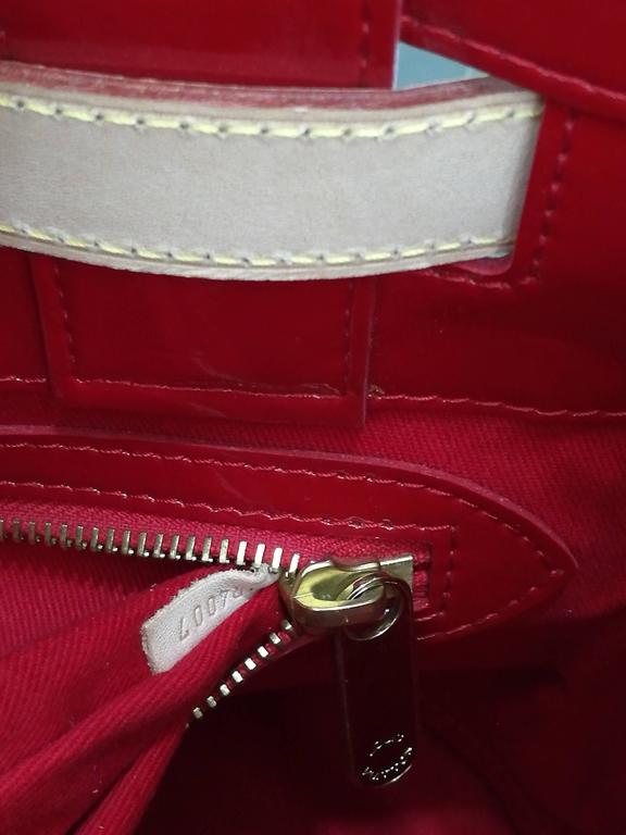 Louis Vuitton Monogram Rubis Neo Bucket Tote For Sale 1