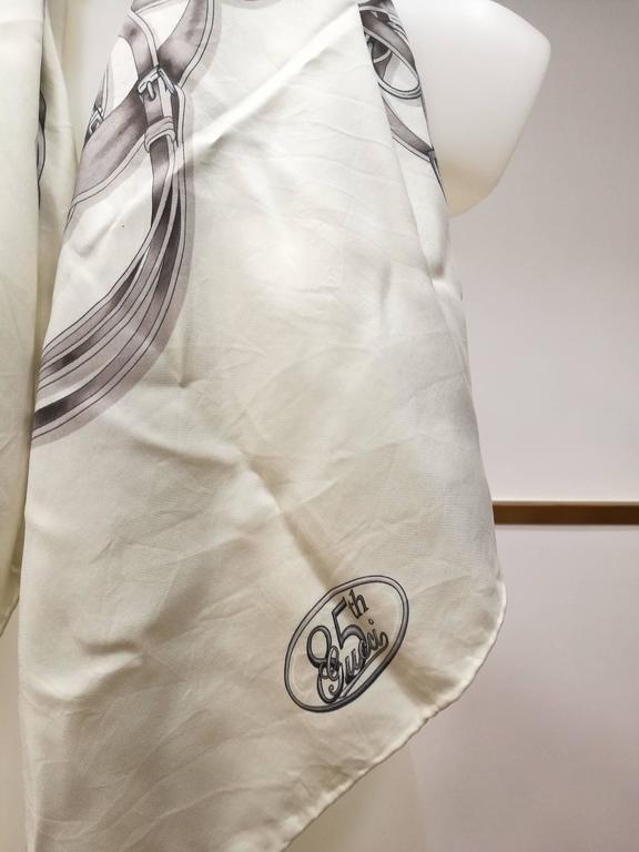 Gucci White Grey Silk Foulard 3