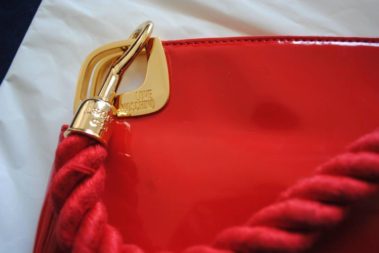 Women's Love Moschino Red Carpet Varnish Red Leather Shoulder Bag For Sale