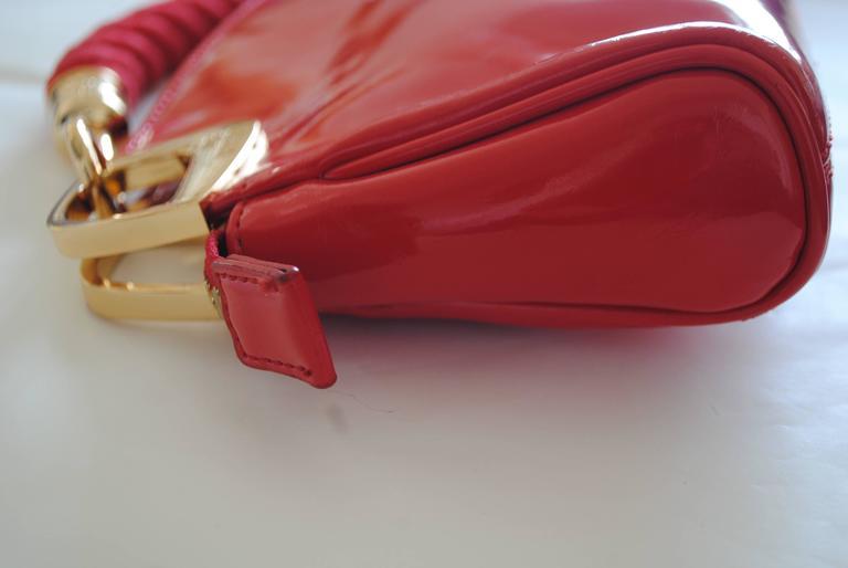 Love Moschino Red Carpet Varnish Red Leather Shoulder Bag For Sale 1