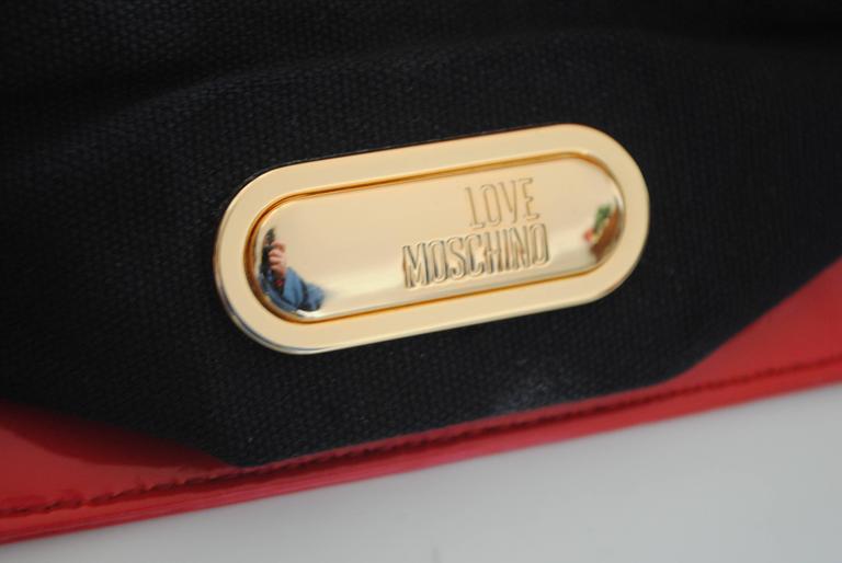 Love Moschino Red Carpet Varnish Red Leather Shoulder Bag For Sale 4
